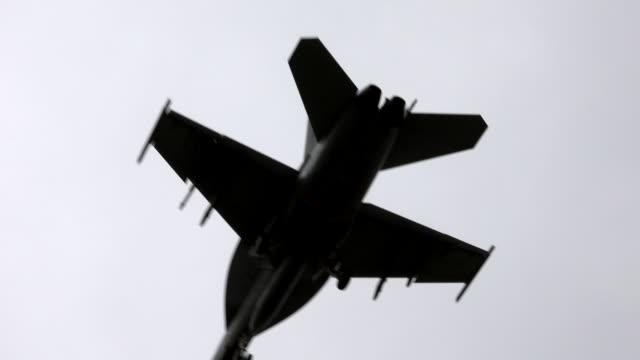 vídeos y material grabado en eventos de stock de jet fighter - air force