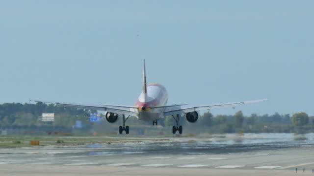 Jet Plane Approaching Landing video