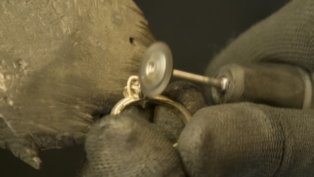 Jeweller Polishing Sanding And Cleaning ring video