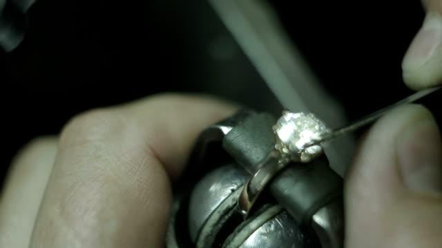 Jewelry Making Setting a Stone video
