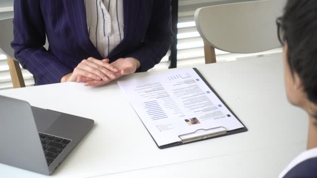 就職面接履歴書 - 身ぶり点の映像素材/bロール
