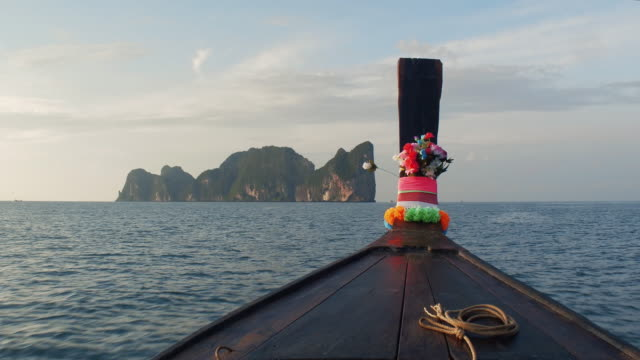Journey to Paradise. The boat follows the tropical island of Phip-lei video