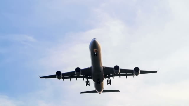 Jumbo jet airplane landing video