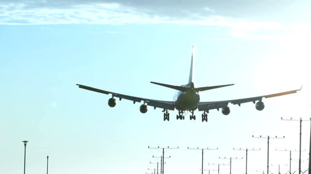 Jumbo Jet Landing video