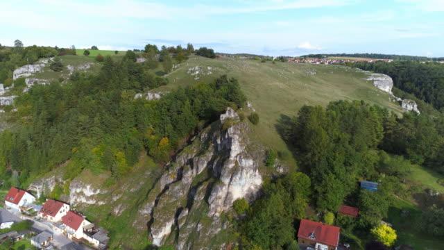 jurassic stenar av frankiska jura formationen i bayern - fornhistorisk tid bildbanksvideor och videomaterial från bakom kulisserna