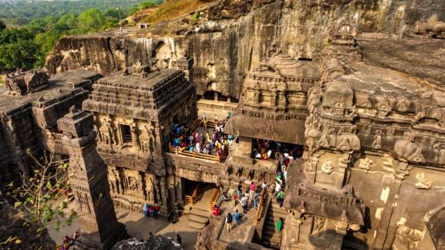 kailas temple i ellora caves complex, delstaten maharashtra i indien - india statue bildbanksvideor och videomaterial från bakom kulisserna