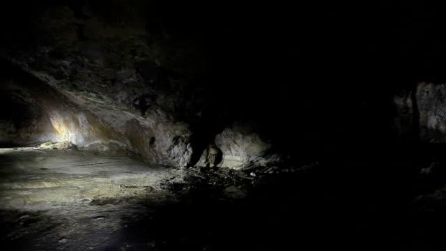 vidéos et rushes de hd: kaklik cave, denizli, turquie - spéléologie