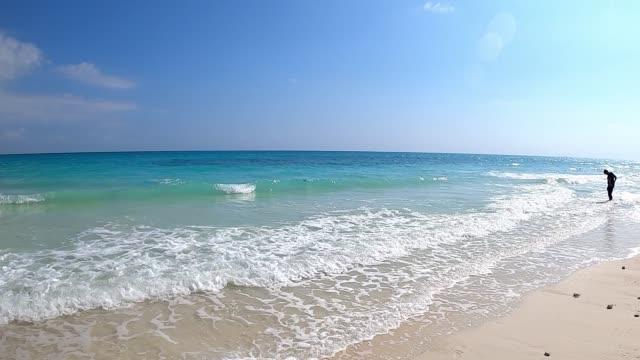 vidéos et rushes de plage de kalapathar - mer d'andaman