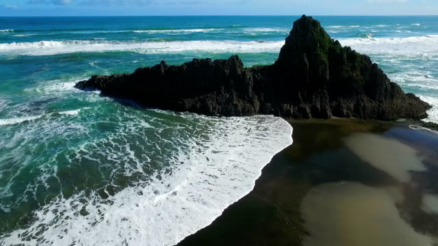 Karekare Beach video