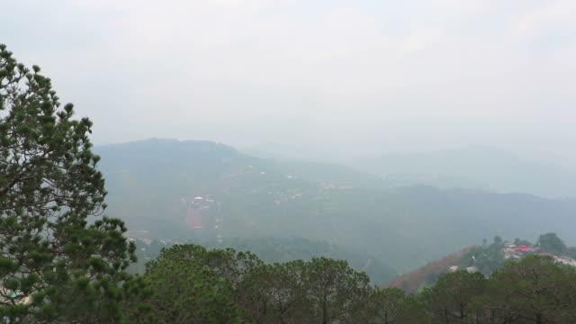 kasauli hügelstation, himachal pradesh - himachal pradesh stock-videos und b-roll-filmmaterial