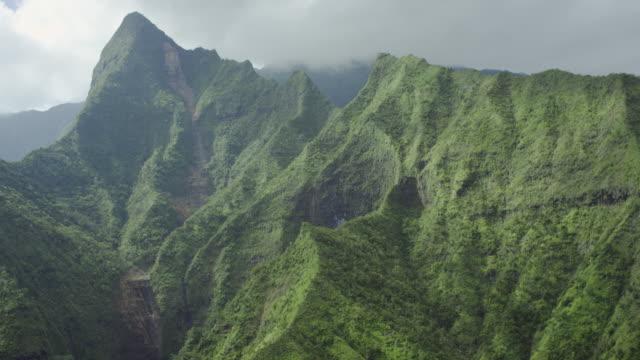夏威夷的考艾島,napali 海岸山脈,空中拍攝 - 懸崖 個影片檔及 b 捲影像
