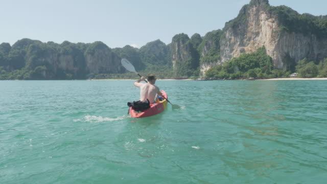 4k uhd: kayaking back to shore - tajlandia filmów i materiałów b-roll