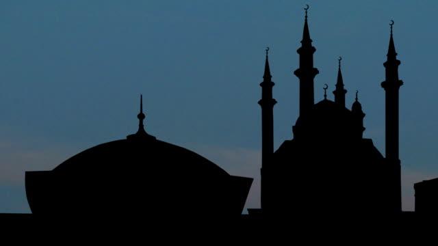 Kazan Kremlin 03 – Qolsharif Mosque moon rising video