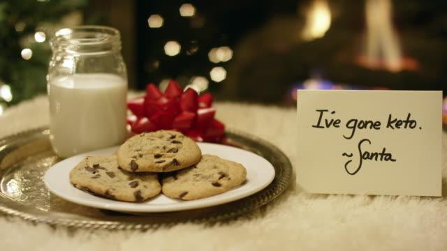 Ketogene Weihnachten: Santa weigert sich höflich Milch und Kekse mit einer