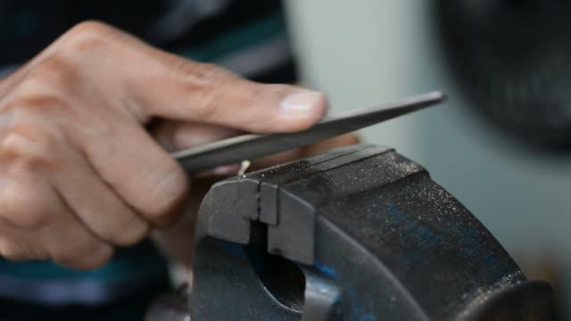 Key maker video