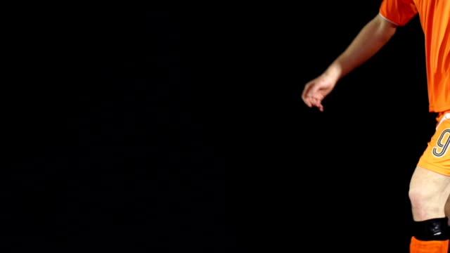 蹴る、フットボール(サッカーボール-super slow motion (スローモーション) - サッカークラブ点の映像素材/bロール