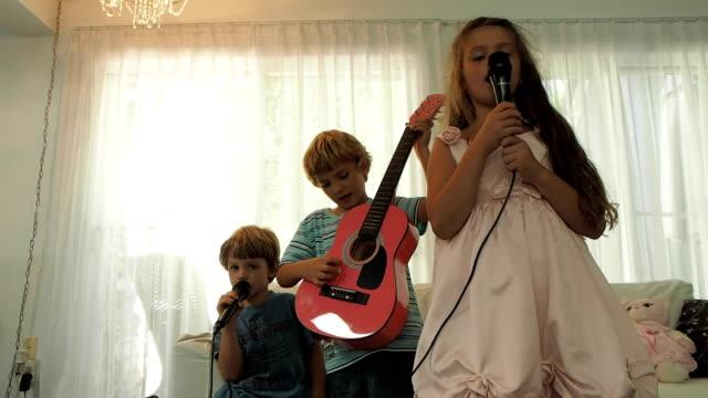 Kids Singing Karaoke video