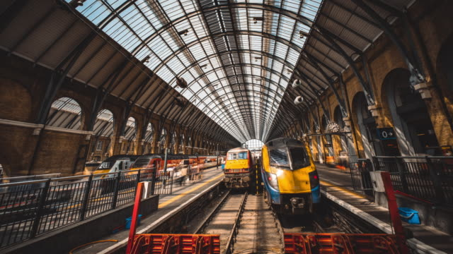 king's cross station - manchester inghilterra video stock e b–roll