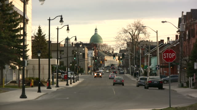 Kingston Ontario Street in Evening A few hours before sunset, looking toward St. George's Cathedral at the end of Wellington Street. ontario canada stock videos & royalty-free footage