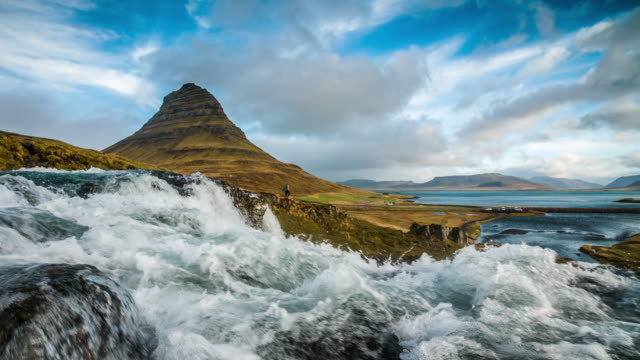 SLOW MOTION: Kirkjufell Iceland - splashing water video