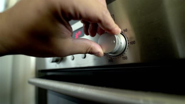 vidéos et rushes de four de cuisine - résolution 4k - four