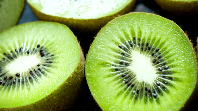 kiwi närbild - kiwifrukt bildbanksvideor och videomaterial från bakom kulisserna