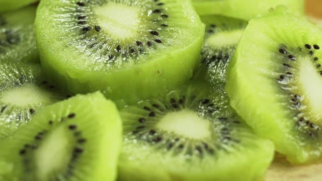 kiwi-skivor. - kiwifrukt bildbanksvideor och videomaterial från bakom kulisserna
