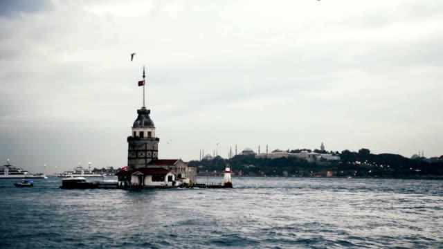Kiz Kulezi Tower in Istanbul video