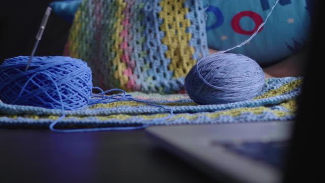 Knitting knitting equipment