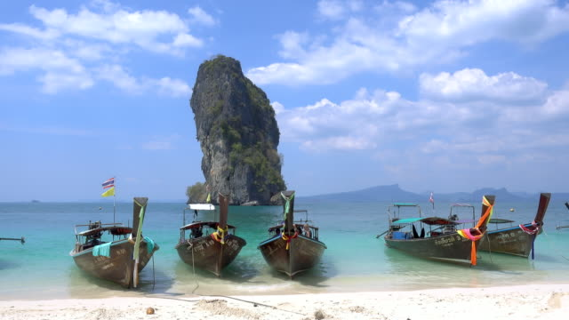 ko poda island with eautiful crystal clear turquoise blue sea and boats at ao phra nang bay, krabi, thailand - phuket video stock e b–roll