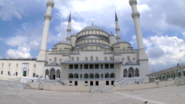 kocatepe-moschee in der hauptstadt der türkei - religiöses symbol stock-videos und b-roll-filmmaterial