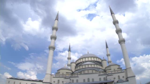 kocatepe-moskén i huvudstaden i turkiet - anatolien bildbanksvideor och videomaterial från bakom kulisserna