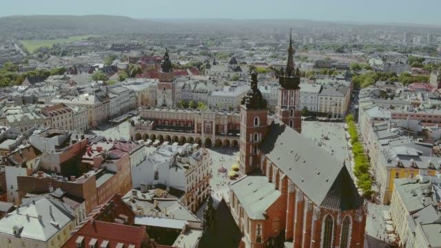 krakauer marktplatz - krakau stock-videos und b-roll-filmmaterial