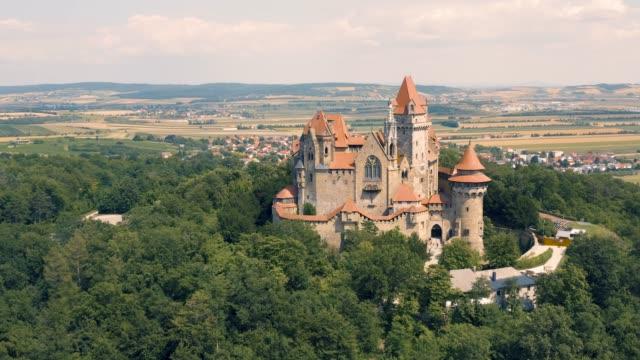 오스트리아크로이젠슈타인 성 - 성 건축물 스톡 비디오 및 b-롤 화면