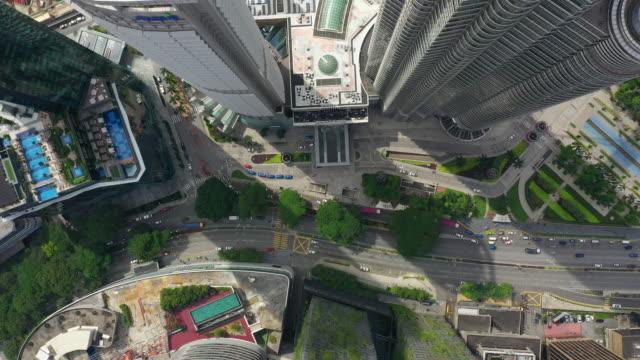 kuala lumpur downtown traffic street aerial topdown panorama 4k malaysia - vídeo