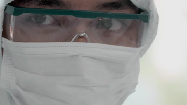 vídeos de stock e filmes b-roll de lab teamwork. - coreia do sul