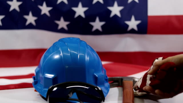 vídeos y material grabado en eventos de stock de día del trabajo americano flag.work herramienta - día del trabajo