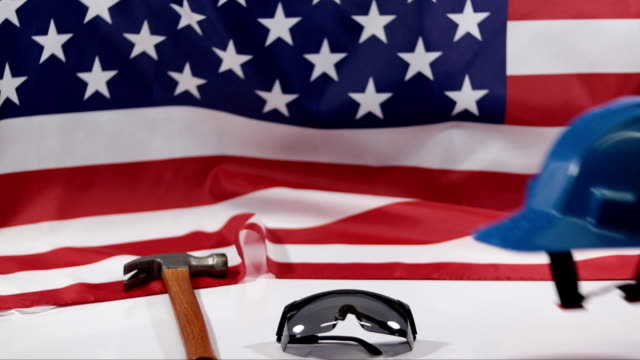 vídeos y material grabado en eventos de stock de día del trabajo. bandera americana - día del trabajo