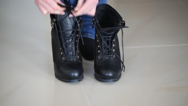 靴紐 - 革点の映像素材/bロール