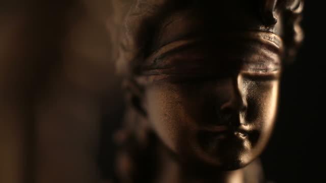 lady justice statue close up - mitologia video stock e b–roll