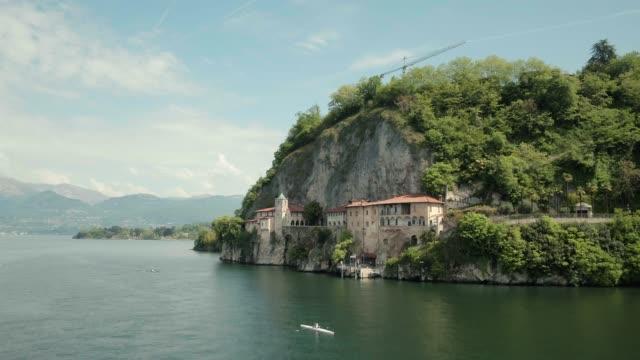 vídeos de stock e filmes b-roll de lago maggiore (stresa) italy. - lago maggiore