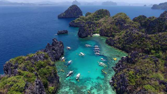 vídeos y material grabado en eventos de stock de laguna en palawan - filipinas