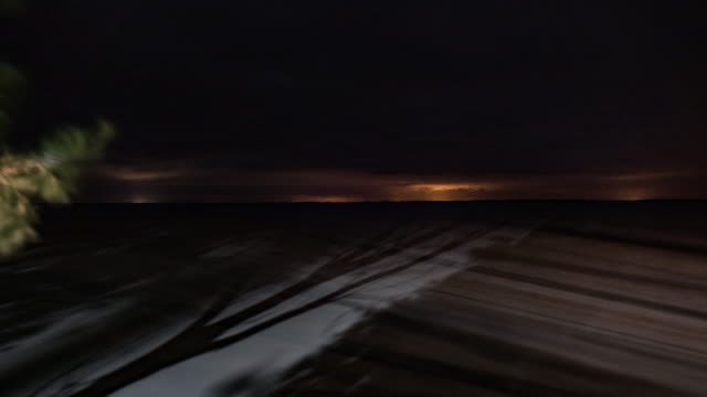 Laguna en santa fe argentina en la noche con estrellas timelapse - vídeo