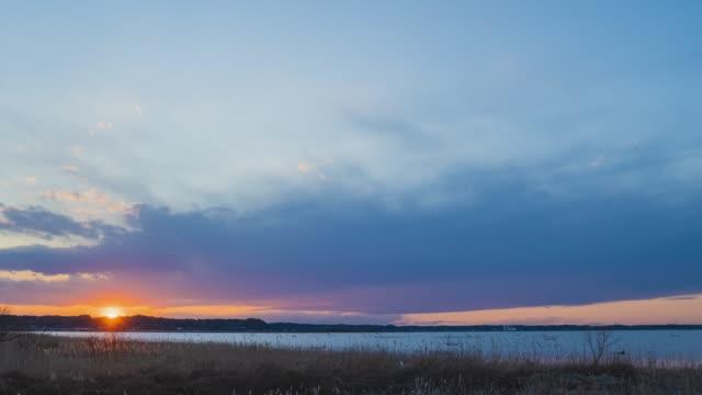 夕暮れ時のインバ湖 ビデオ
