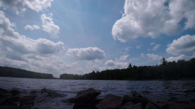 sjön naomi time-lapse - poconobergen bildbanksvideor och videomaterial från bakom kulisserna