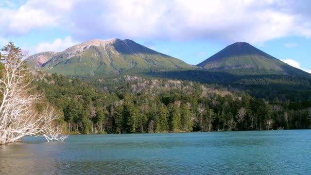 lake onneto i höst - akan nationalpark bildbanksvideor och videomaterial från bakom kulisserna