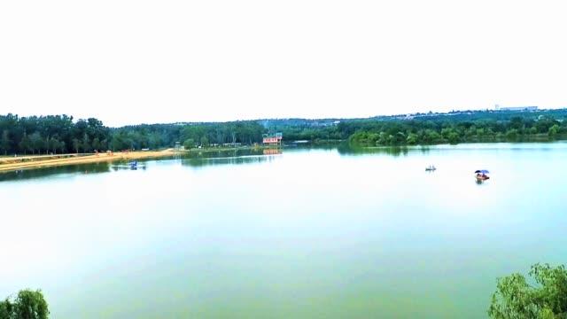lake park - молдавия стоковые видео и кадры b-roll