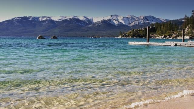 lake tahoe vatten överlappande sand harbor beach - nationalpark bildbanksvideor och videomaterial från bakom kulisserna
