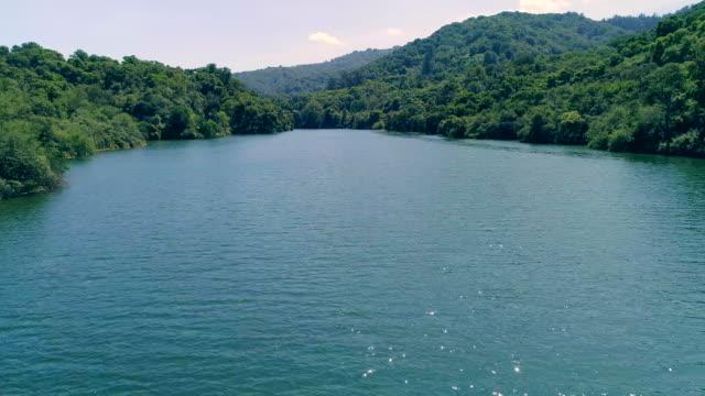 lake - естественное условие стоковые видео и кадры b-roll