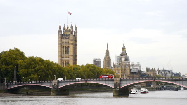Lambeth Bridge and Tower of the Parliament video